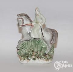 """Скульптура """"Красноармеец на коне"""" (""""На страже Родины"""")"""
